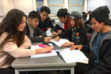 Students study together in Intensive English level 4 - 5 class