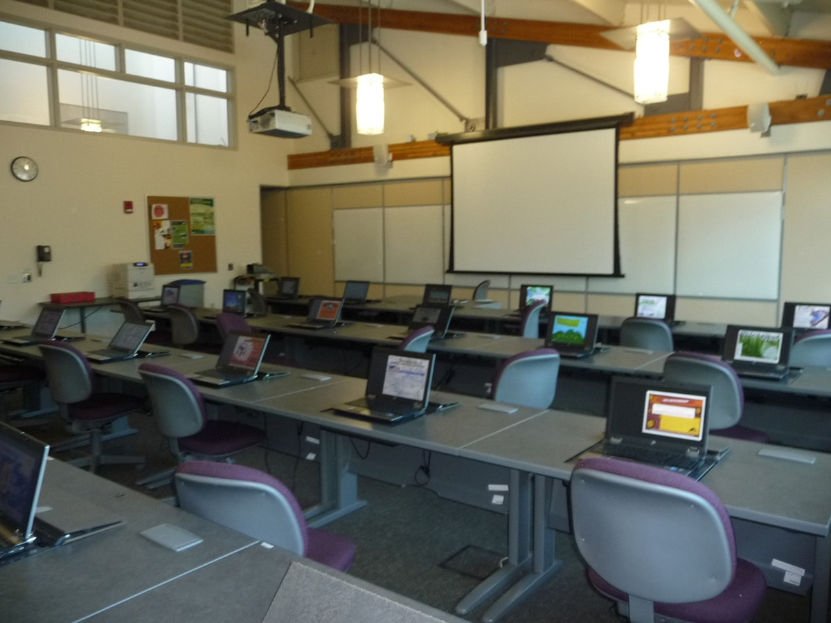 Computer lab within the Technology Center